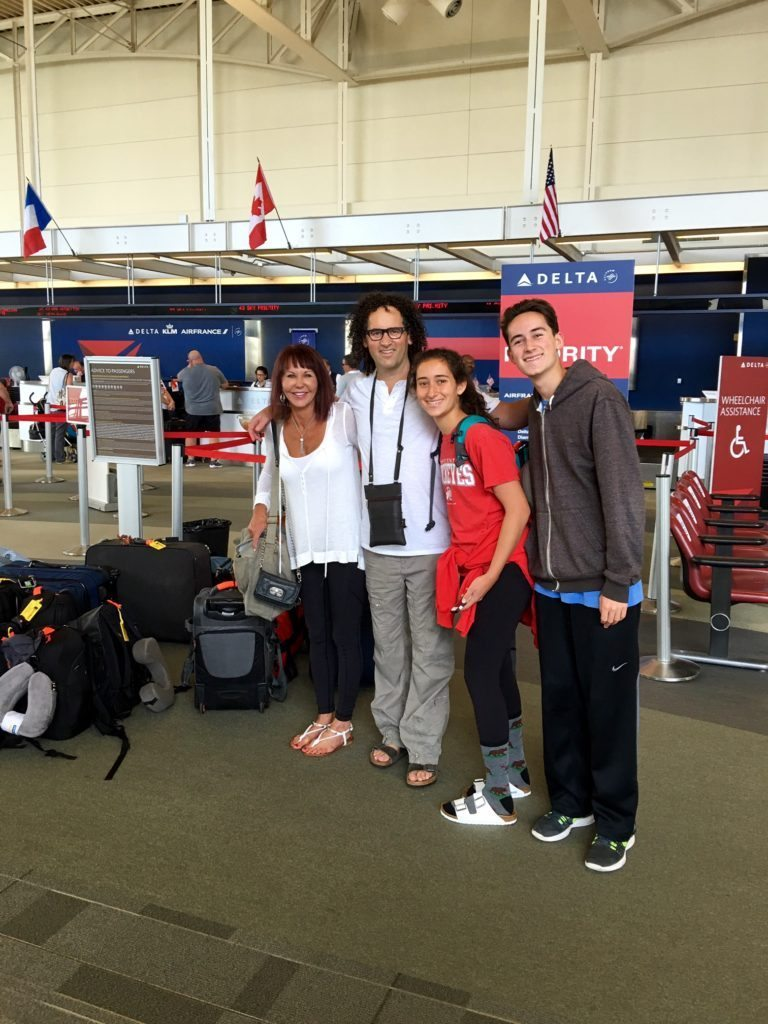 Dr. Mendelsohn and Family Departing Cincinnati
